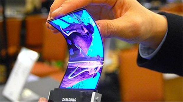 2013279-flexible-display-samsung-5252a8e24a243